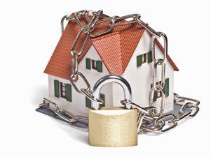 Con unos sencillos trucos puedes garantizar que tu hogar estará seguro durante tus vacaciones.