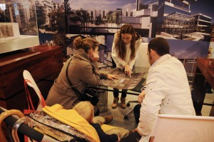 El día de inauguración de SIMA Especial Otoño 2011 ha sido muy movido: los expositores no han parado de atender visitantes buscando nueva casa.