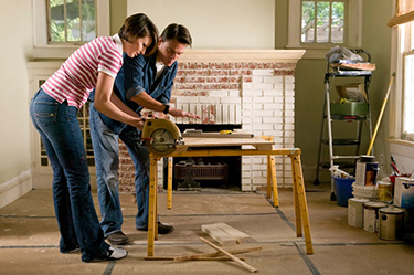 Plazos, presupuestos permisos... planifica tu obra en verano para volver de vacaciones con una casa renovada. Imagen: click2creative.com