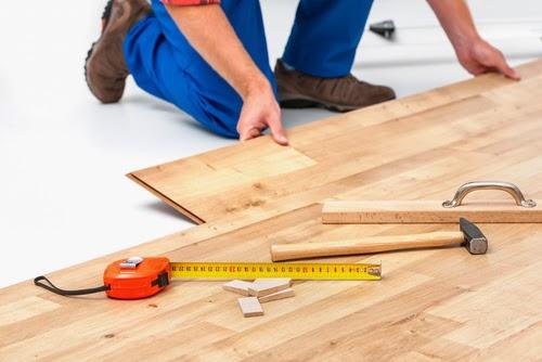 Los suelos en buen estado o nuevos mejoran el aspecto de la vivienda y le añaden valor.